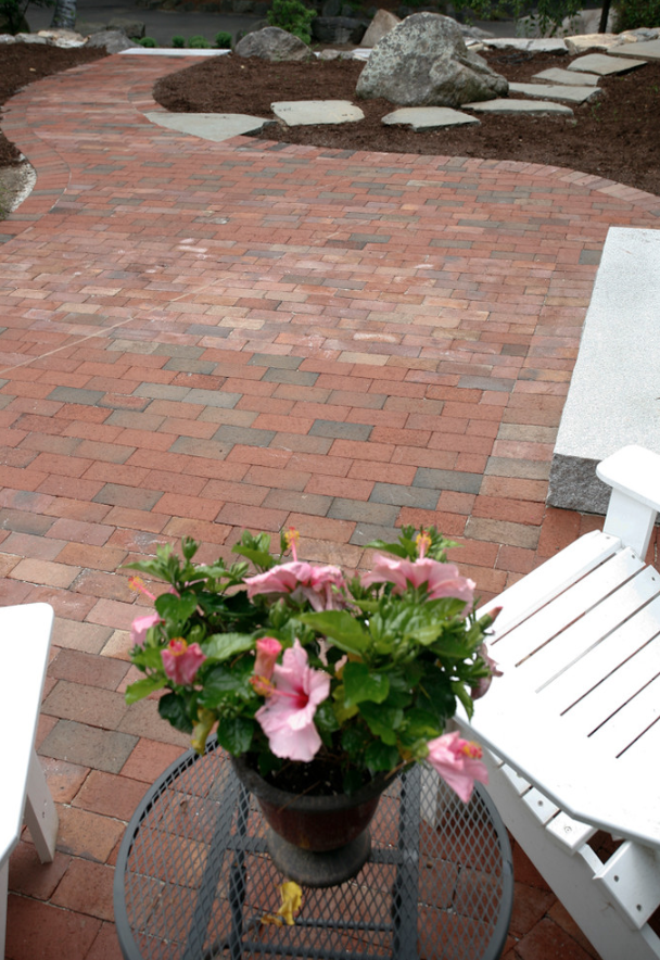 Milford, NH top landscaper for paver patio