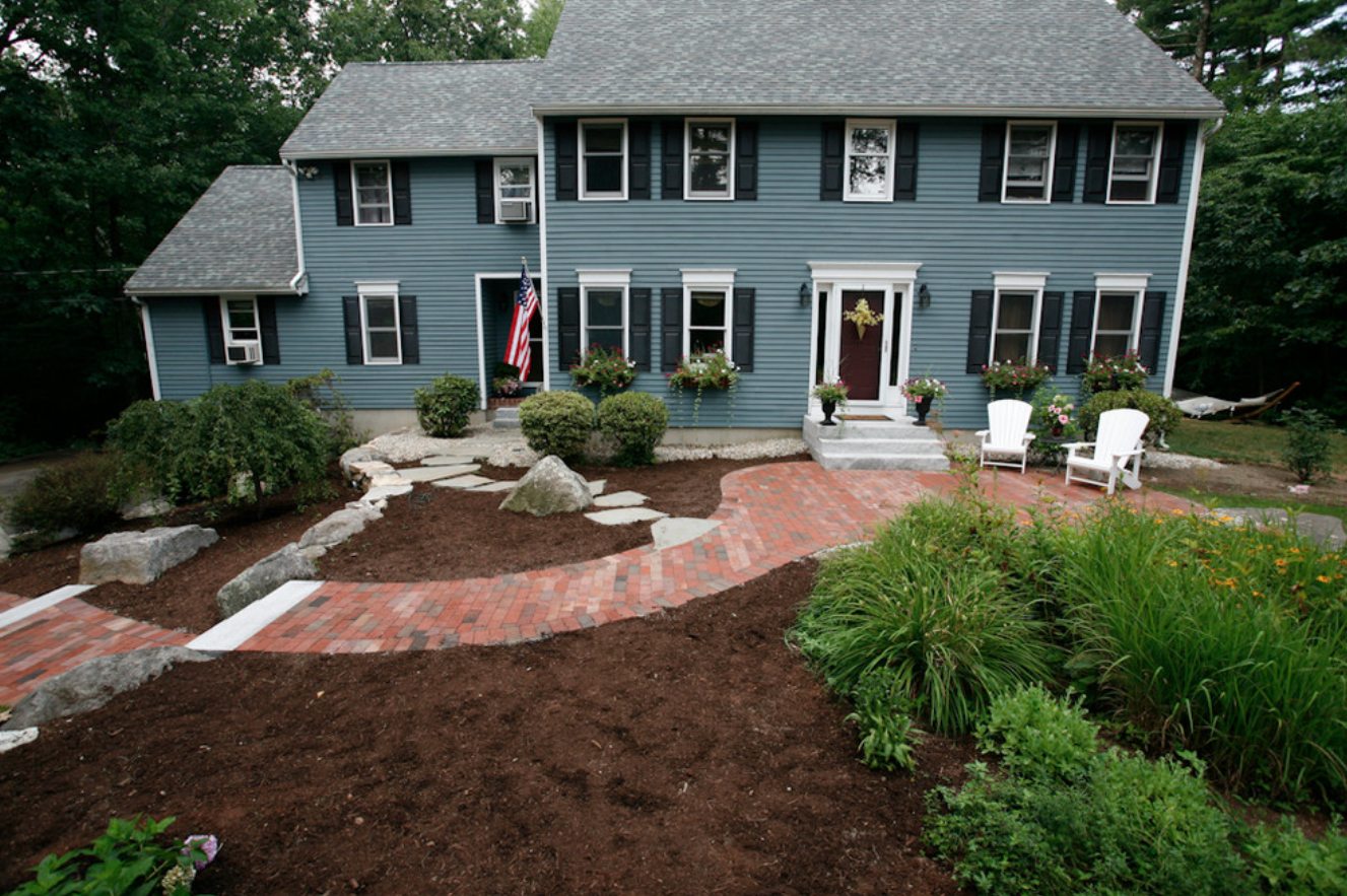 Stunning outdor landscape design ideas in Milford, NH