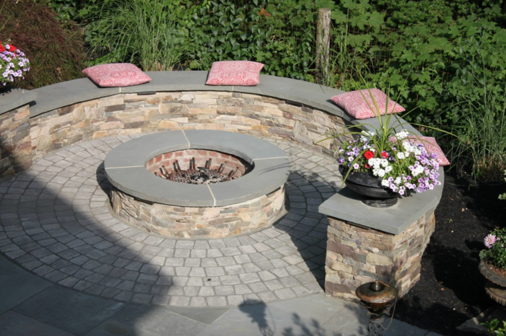 Landscape Design Ideas for Beautiful Seating Walls in Amherst, NH
