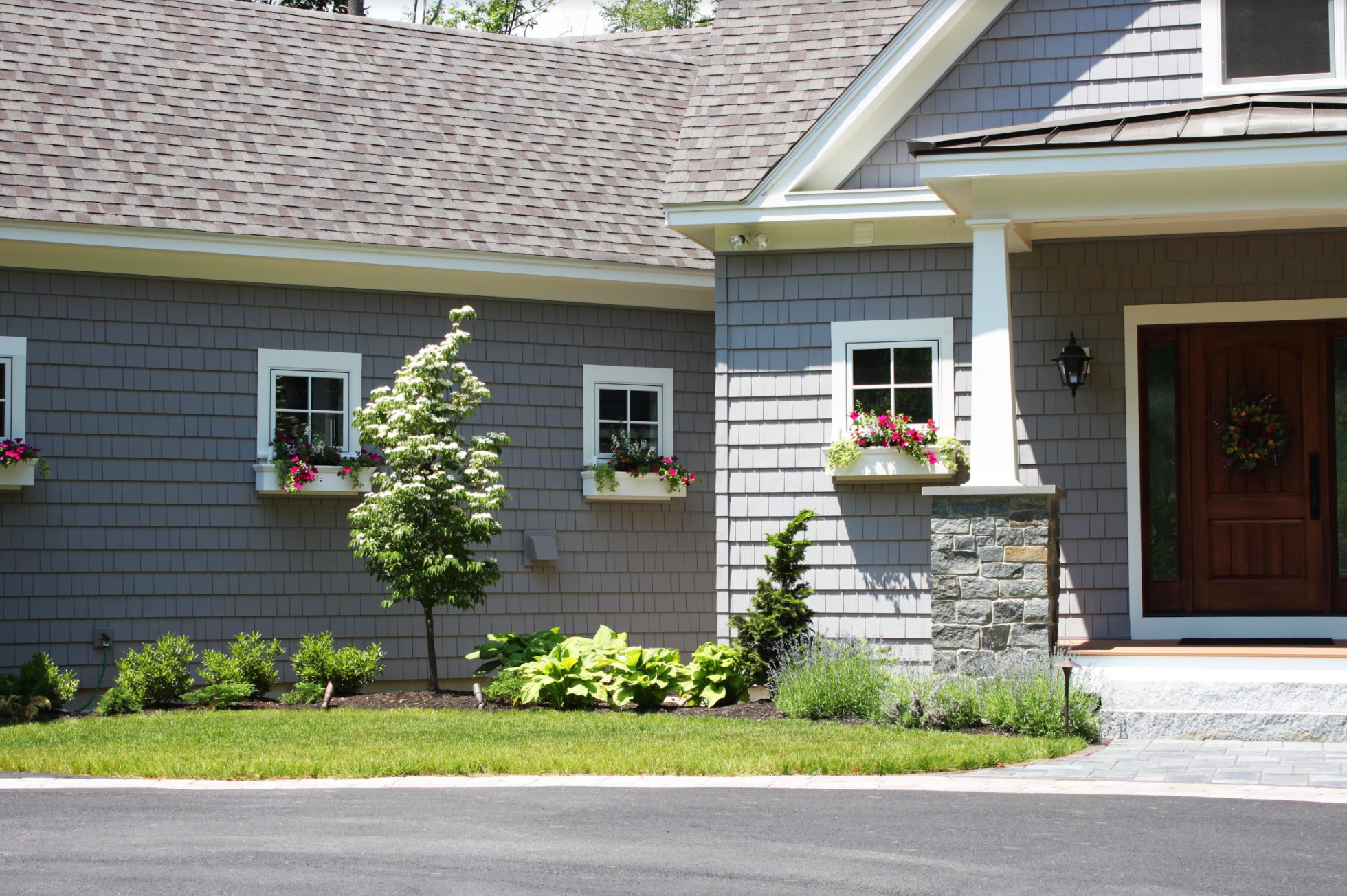 Hire a Landscaper to Give Your Newton, MA, Front Yard a Makeover