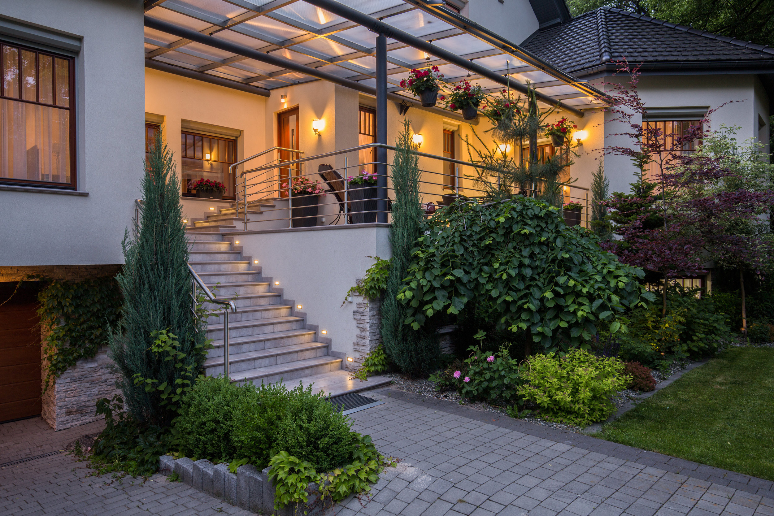 Using Uplighting and Downlighting in Your Laconia, NH, Landscape Design