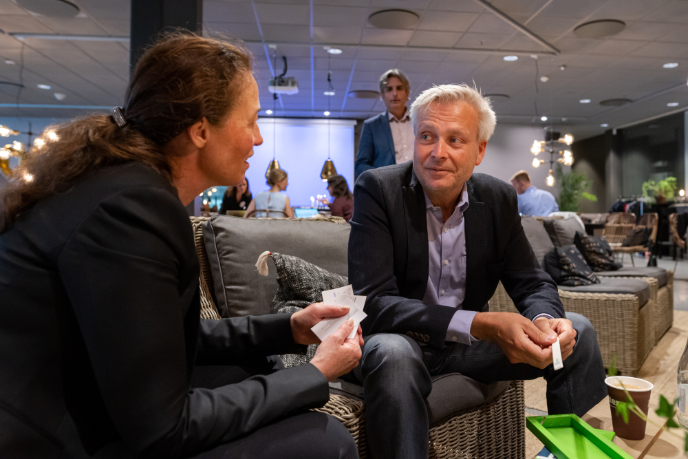 Marie Wall from the Swedish Ministry of Enterprise and Innovation talked to startups during the event.
