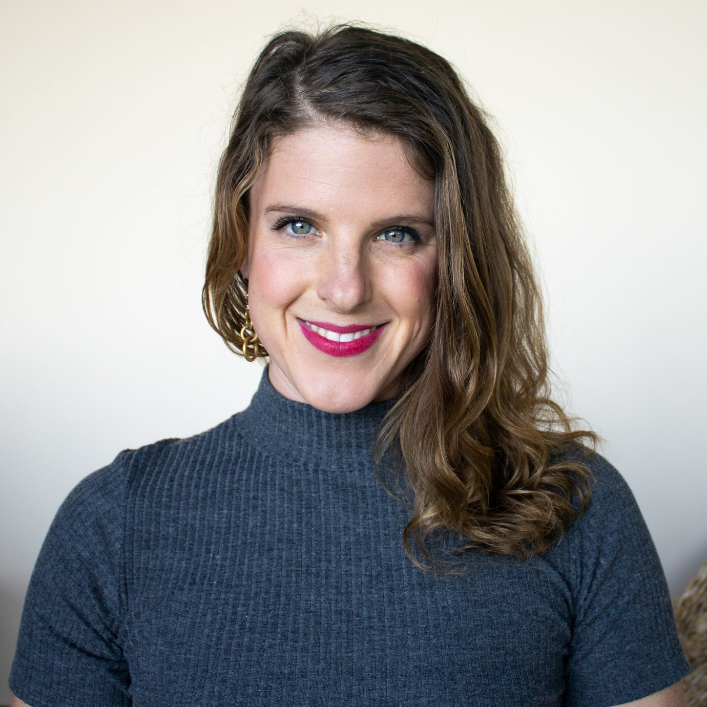 I'M MELANIE! - I've been making health entrepreneurs stand out online since 2017.I created Functional Media because so many talented Functional Medicine professionals are struggling to stay afloat while managing 36701.56 things that involves having a successful business & a well balanced personal life