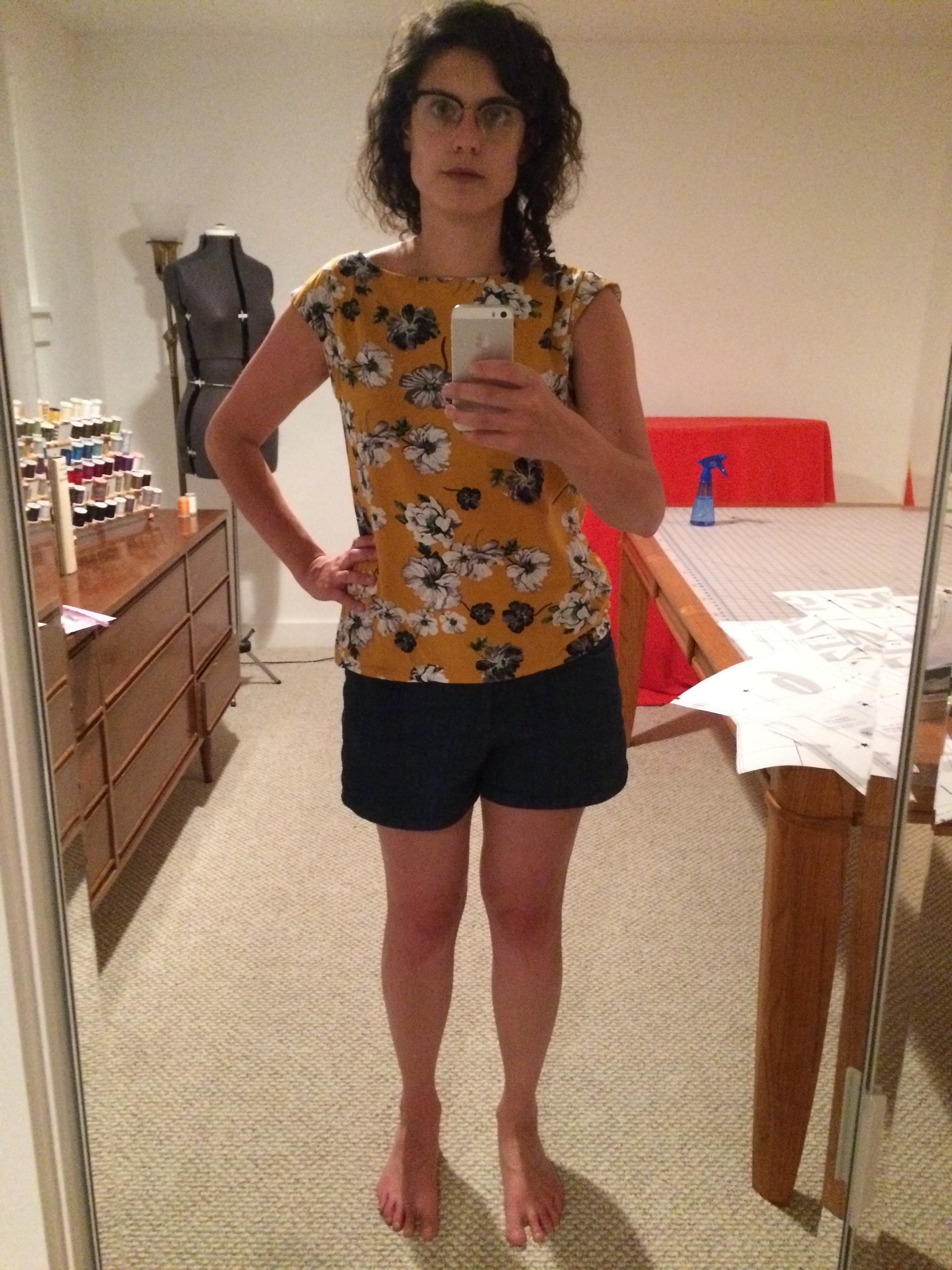 Lisboa top with my fave maritime shorts. While I do like the print, I'm not a fan of cap sleeves.