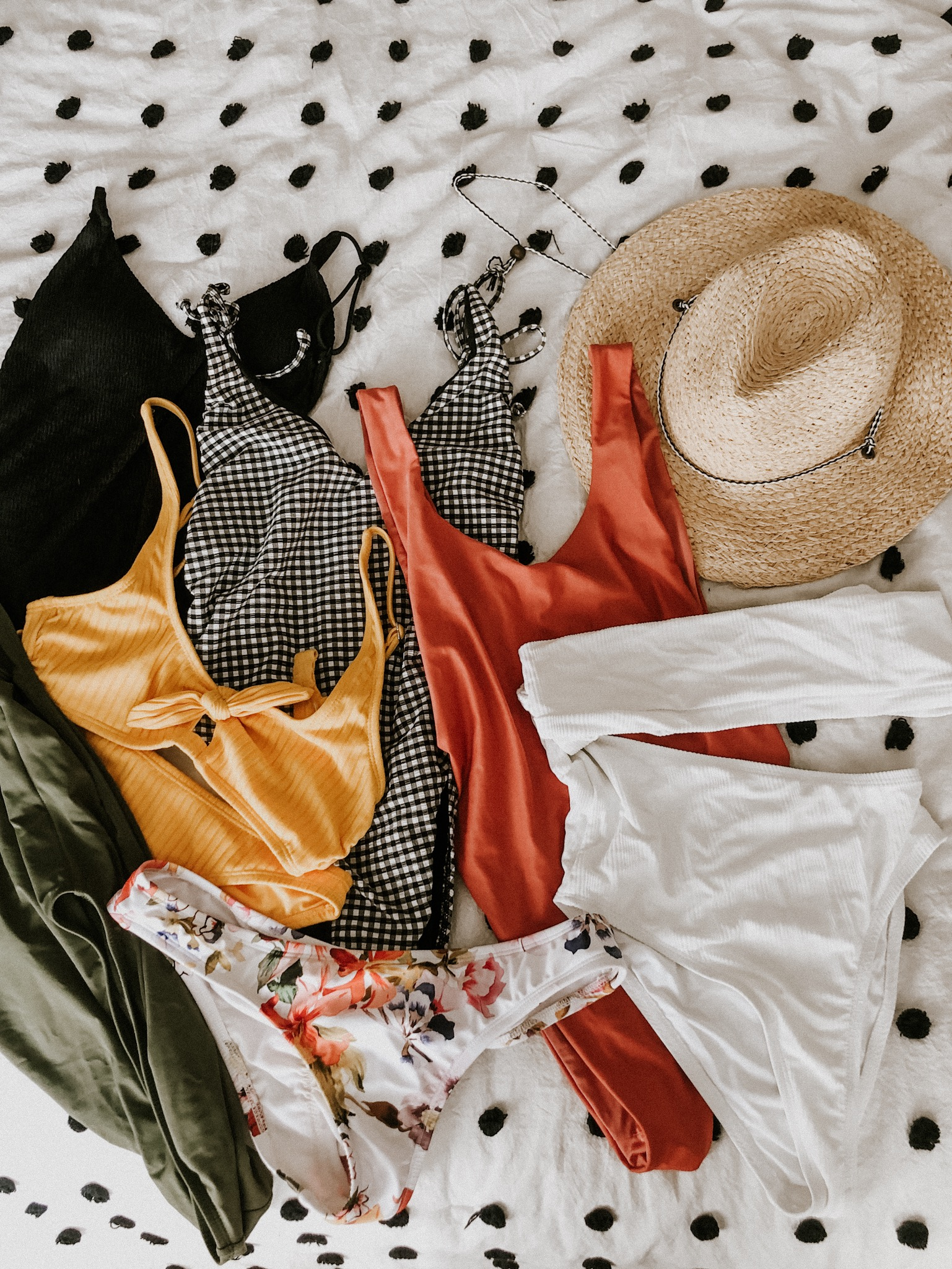 Summer-Swimsuit-Haul-Sarah-Heyl