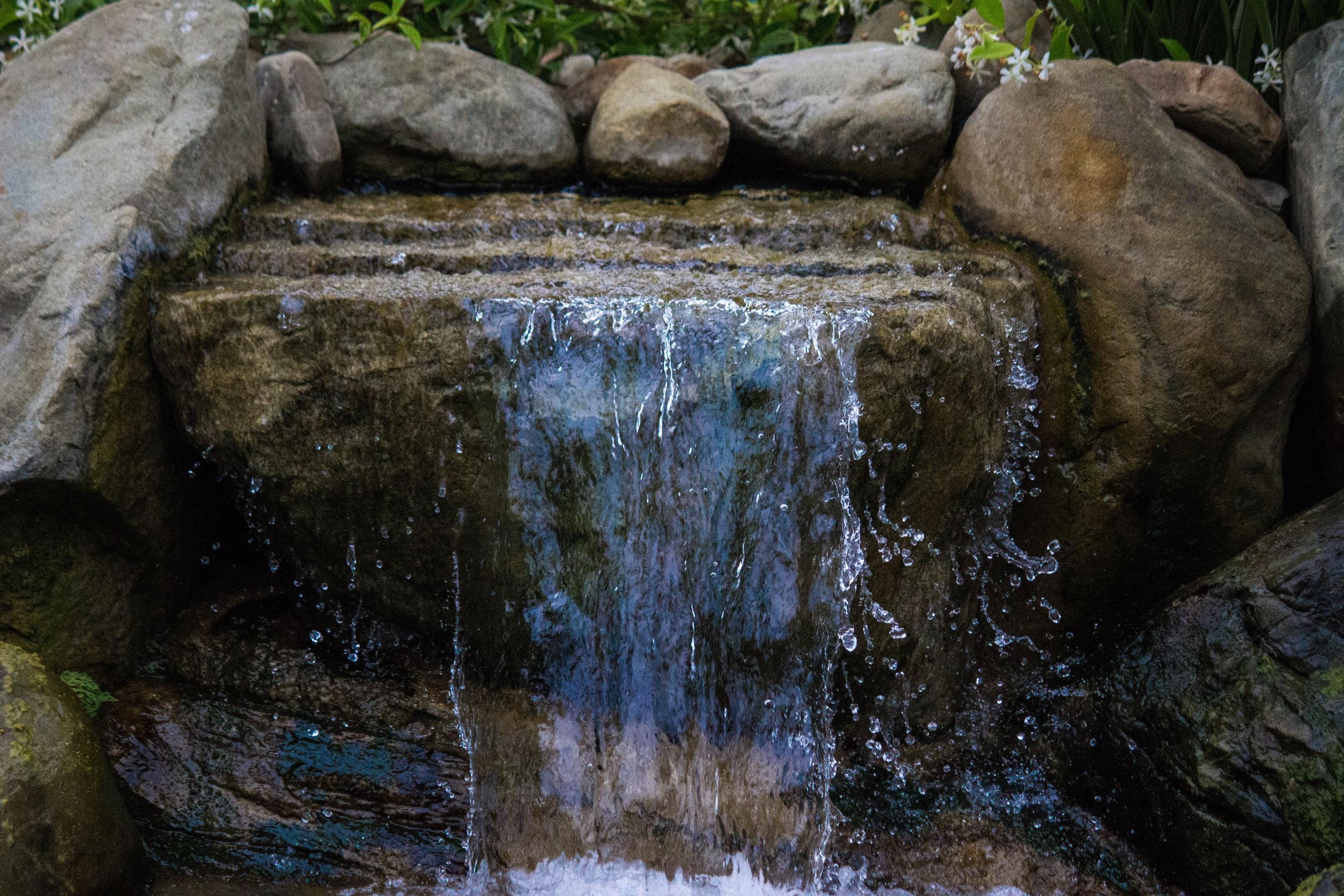 Water features & Waterfalls -