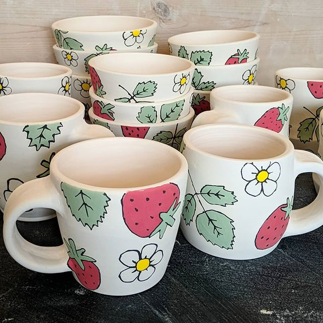 The strawberry mugs and bowls are done with their first firing! Today I am glazing them and getting them back in the kiln to be ready for this weekend. I will have a booth at Waverly Welcomes Spring hosted by @32ndstreetfarmersmarket this Saturday from 7am-12pm. 🍓 🍓 🍓 #strawberries #mugs #bowls #bisque #ceramics #clay #glazeday #pottersofinstagram #pottery #wheelthrown #ceramicartist #inthestudio #ceramicstudio #32ndstreetfarmersmarket #miffyyost #foxglovestudio #foxglovestudiopottery