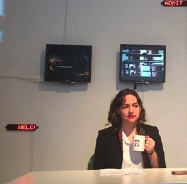 Scroll, live news broadcast in installation, winter 2017