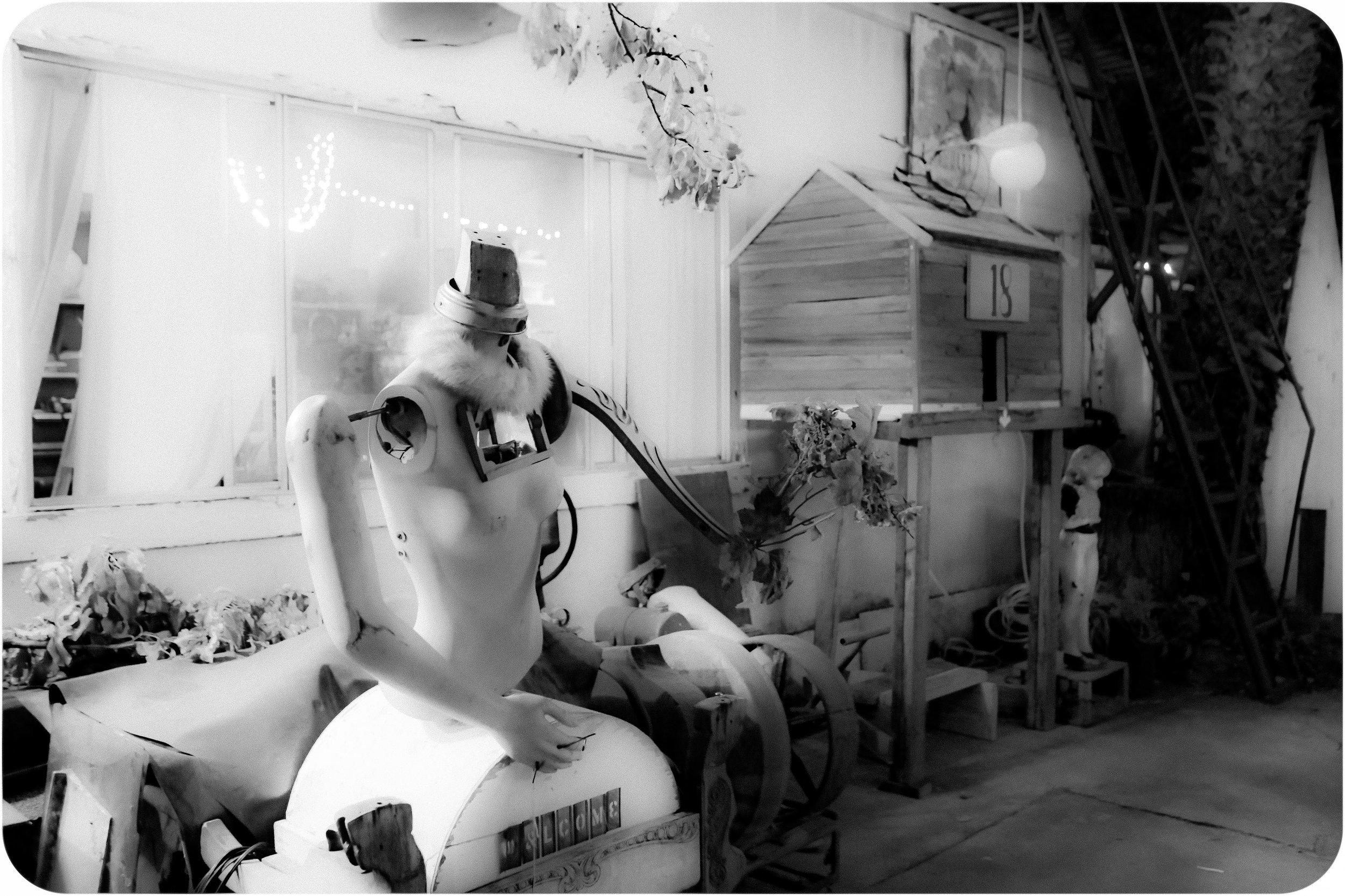Shadetree-open-studio-party-14.jpg