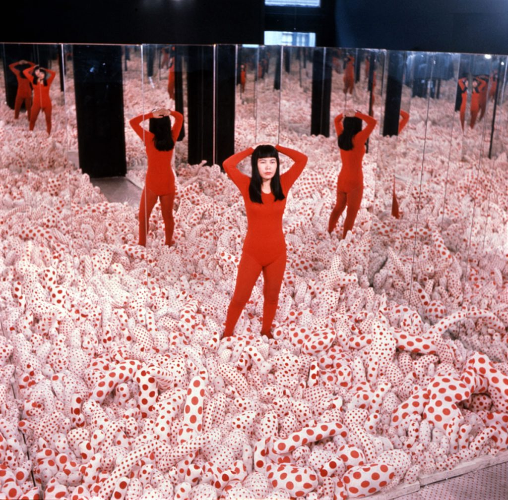 Yayoi Kusama,  Infinity Mirror Room—Phalli's Field , 1965/2016, Stuffed cotton, board, and mirrors (collection of the artist)