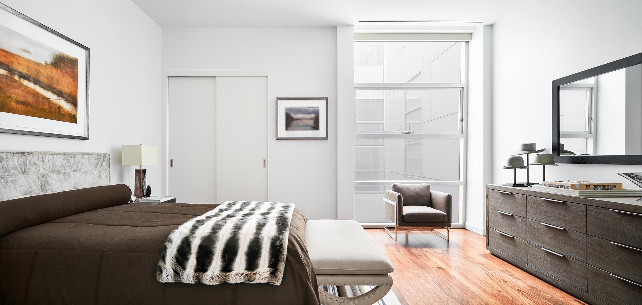 Arte Side Table - 1 Drawer ,  Hudson Bed