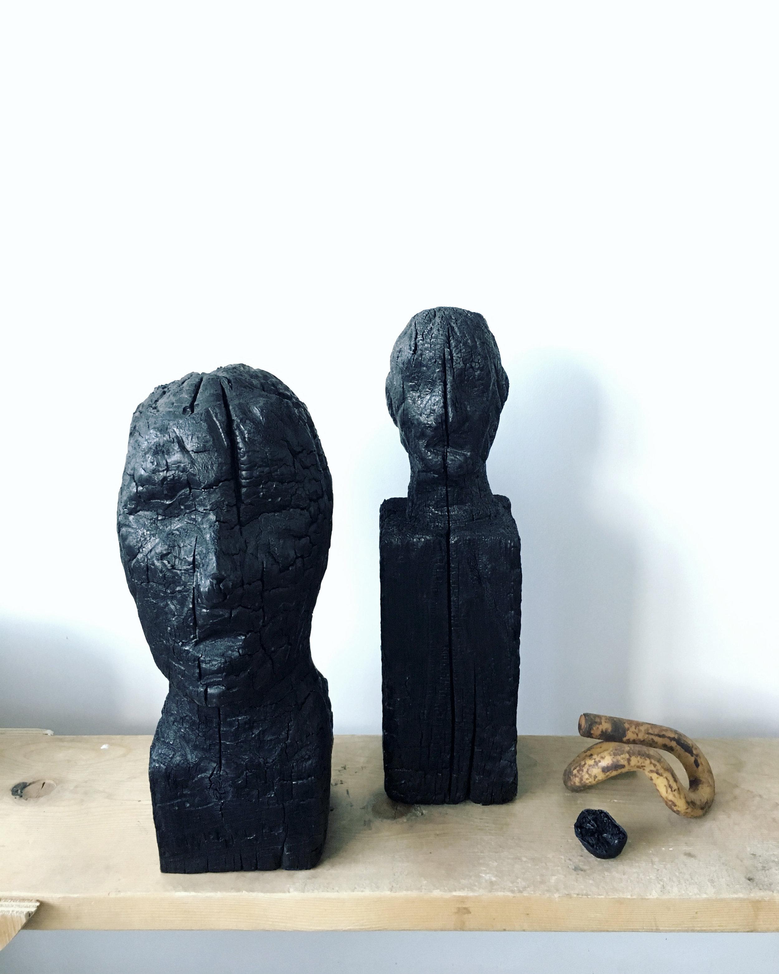 Sculptures à la chainsaw, brulés