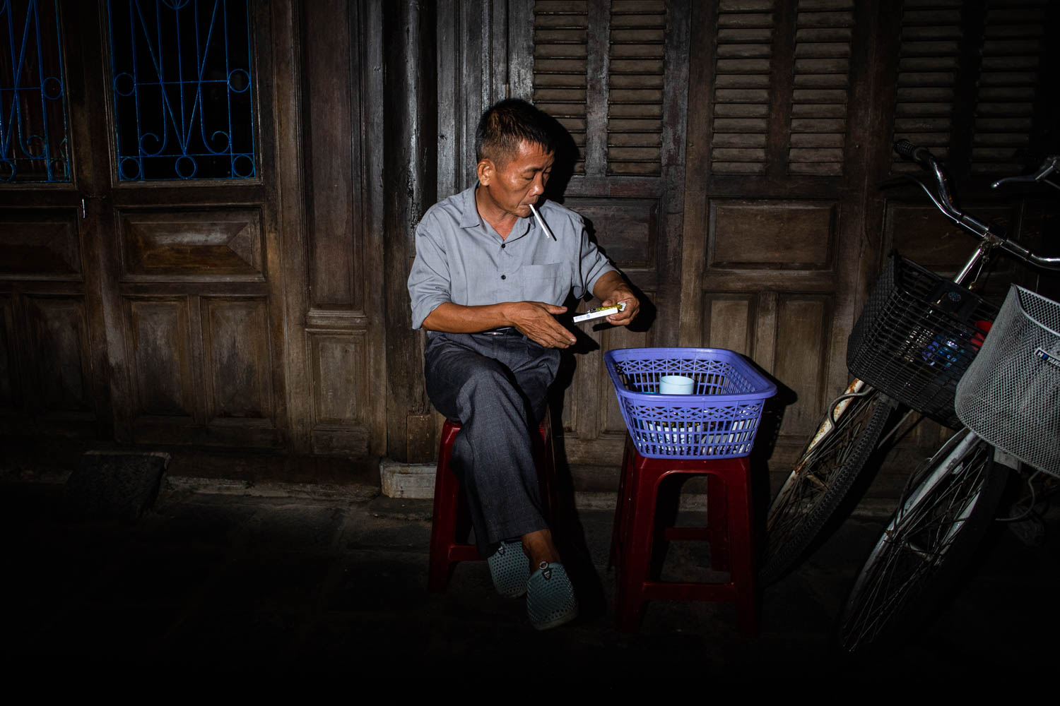 PEOPLE OF VIETNAM - HOI AN, HA LONG, HANOI