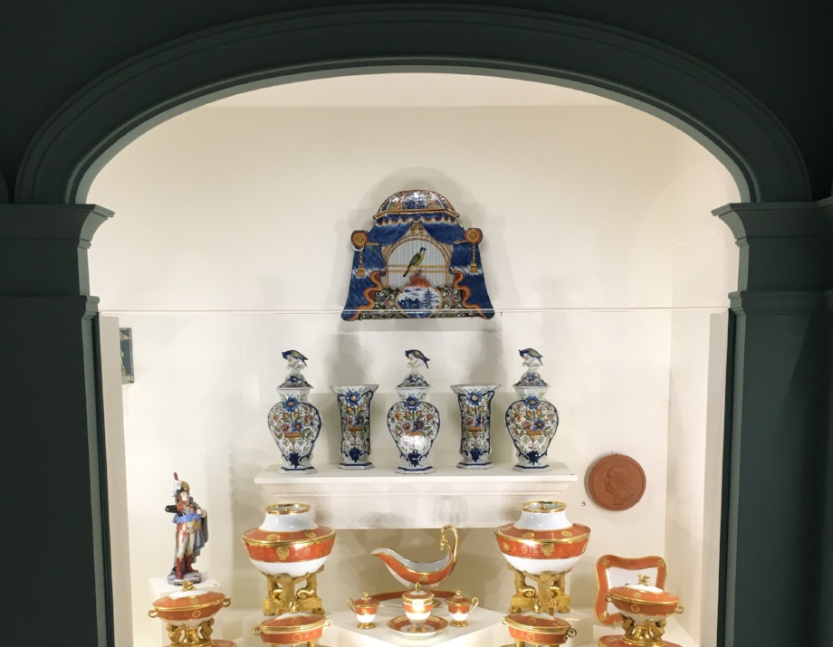 The Swan House is home to a beautiful collection of fine China from the 17th and 18th hundreds.