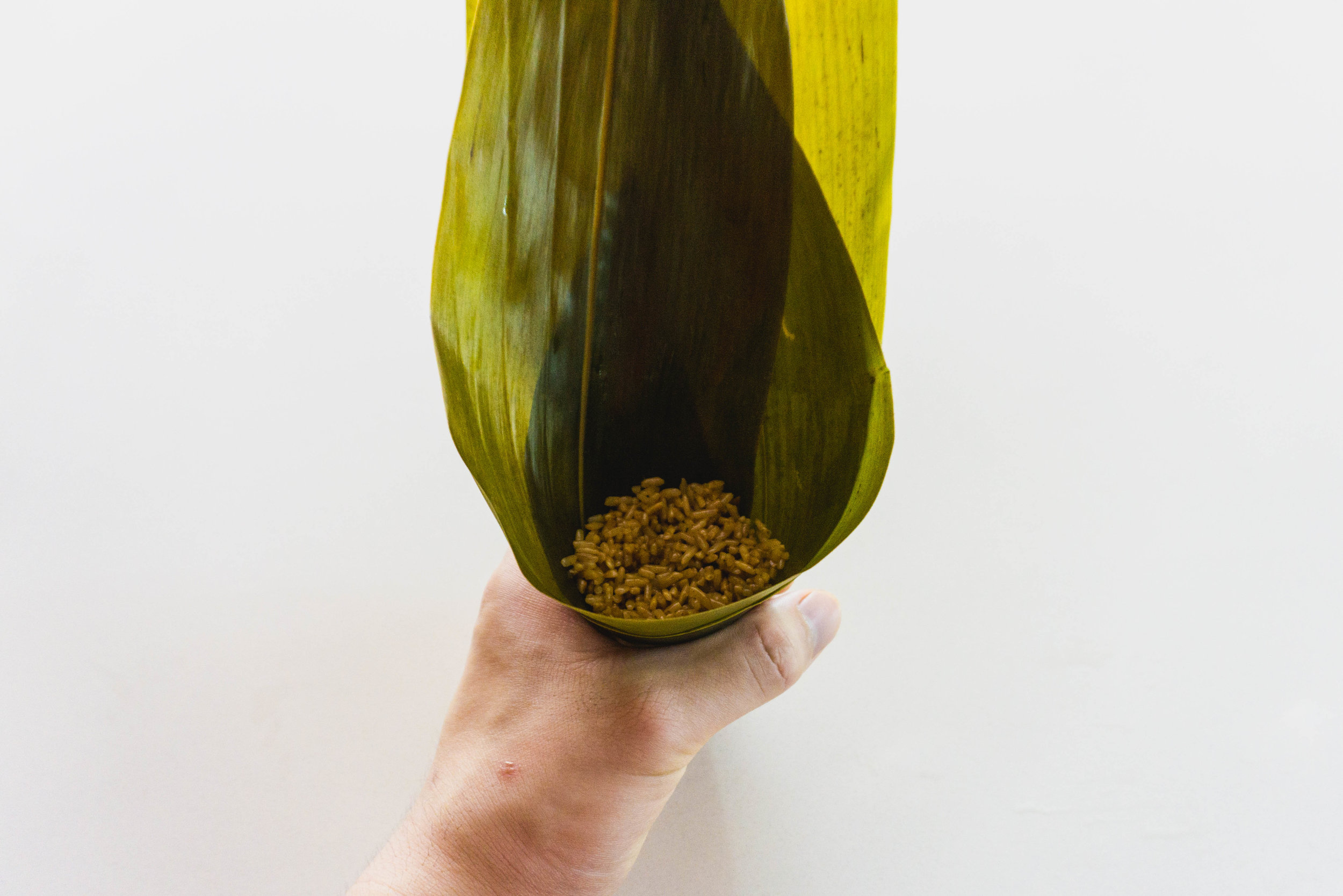 How to wrap a zongzi - part 4