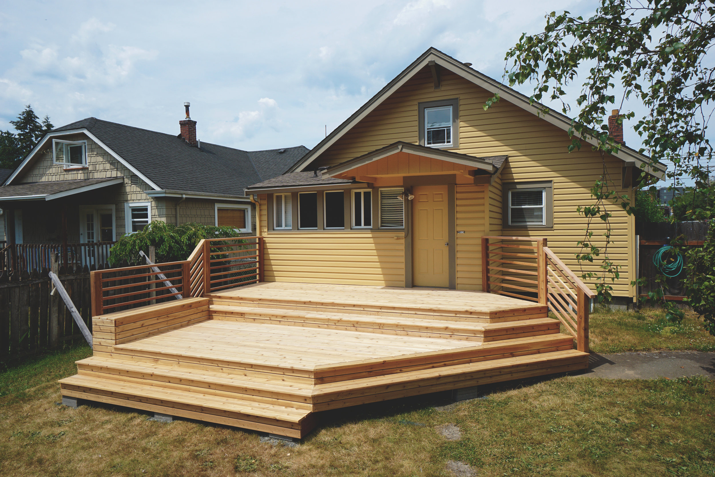 Tacoma Proctor District Modern Deck Build