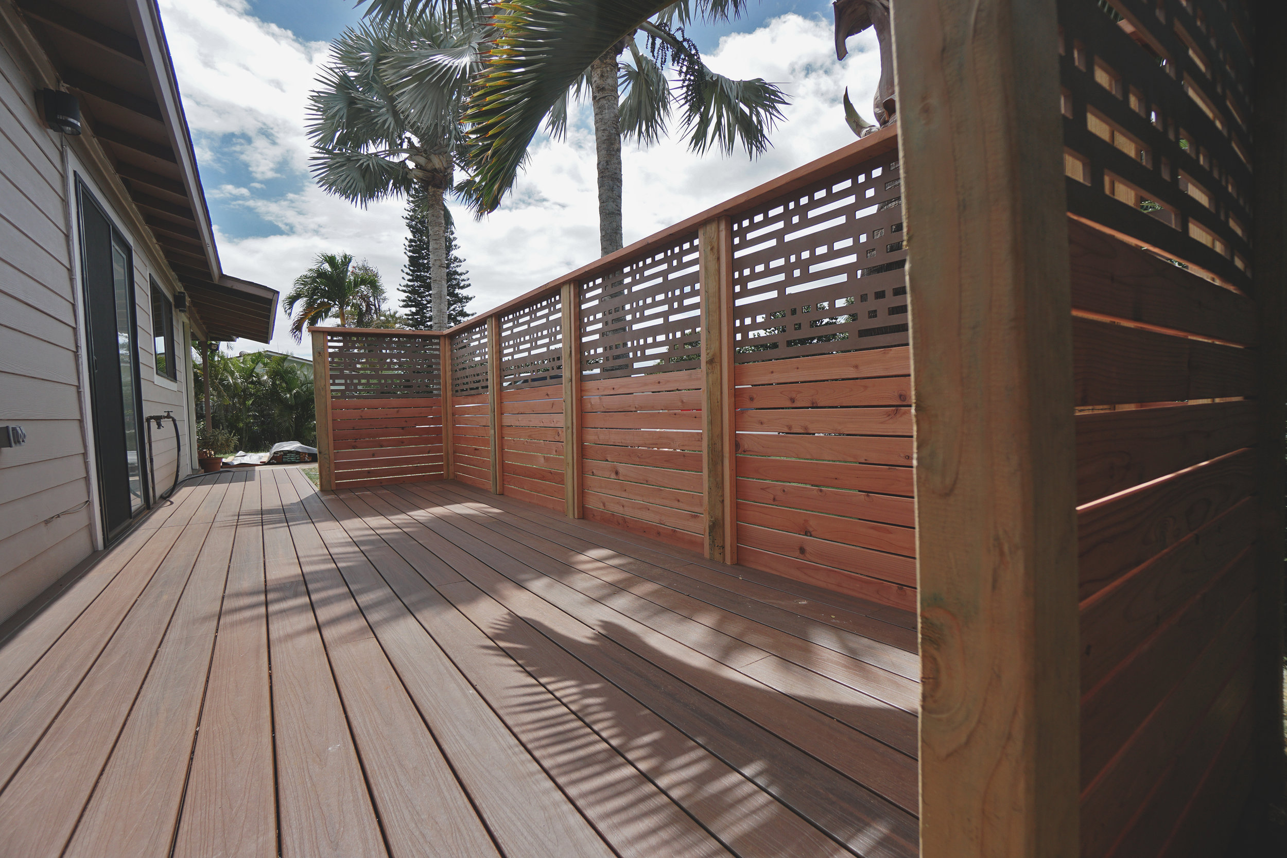 """Modern Horizontal Screen Fence  (Fence composed of 5/8"""" x 4"""" decking and Custom Vinyl Screen Panels. Built with all tight knot Cedar lumber.)"""