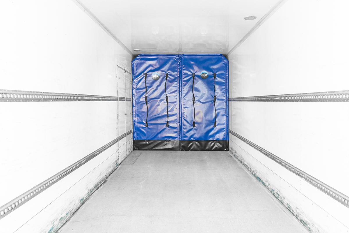Hino-14Pallet-rental-truck-box-interior-padding2.png