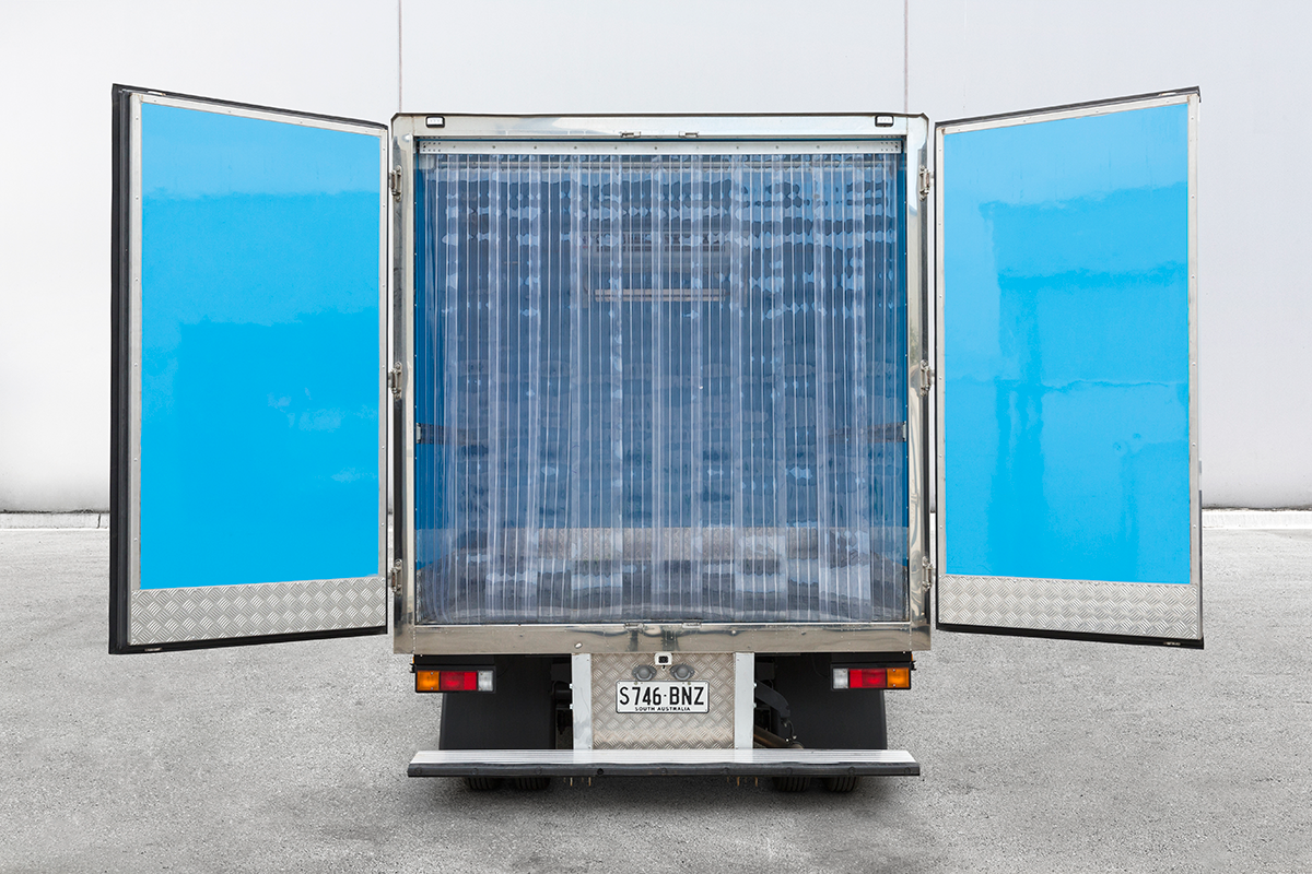 Canter-3M-rental-truck-rear-box.png