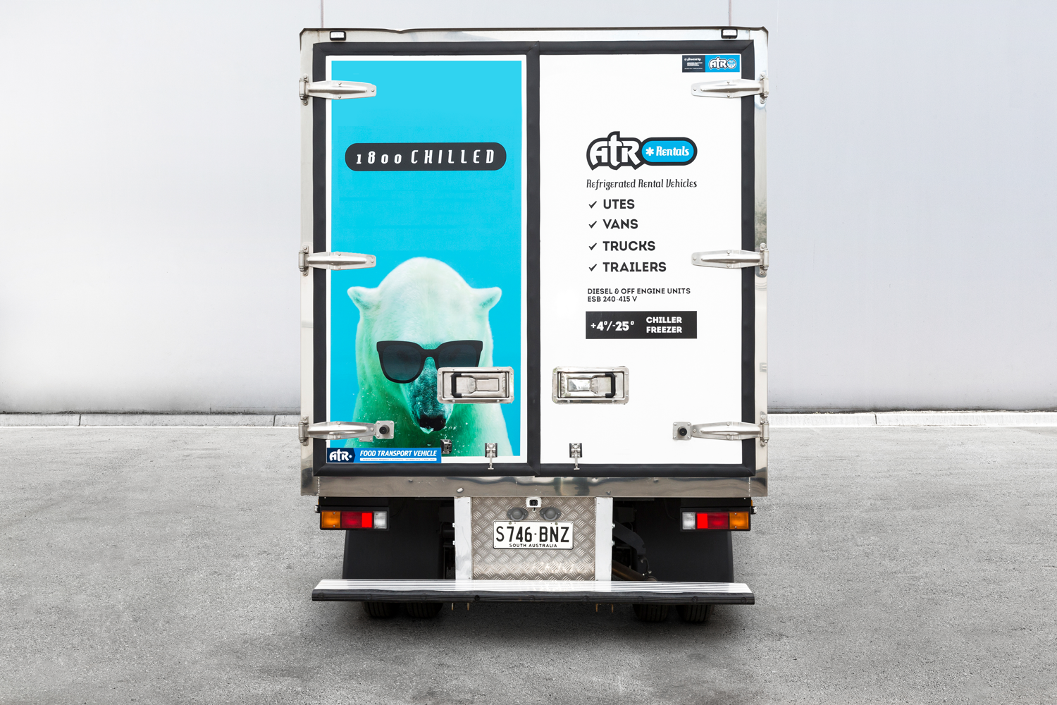 Rental_truck_canter3M-rear-double-doors-adelaide.png
