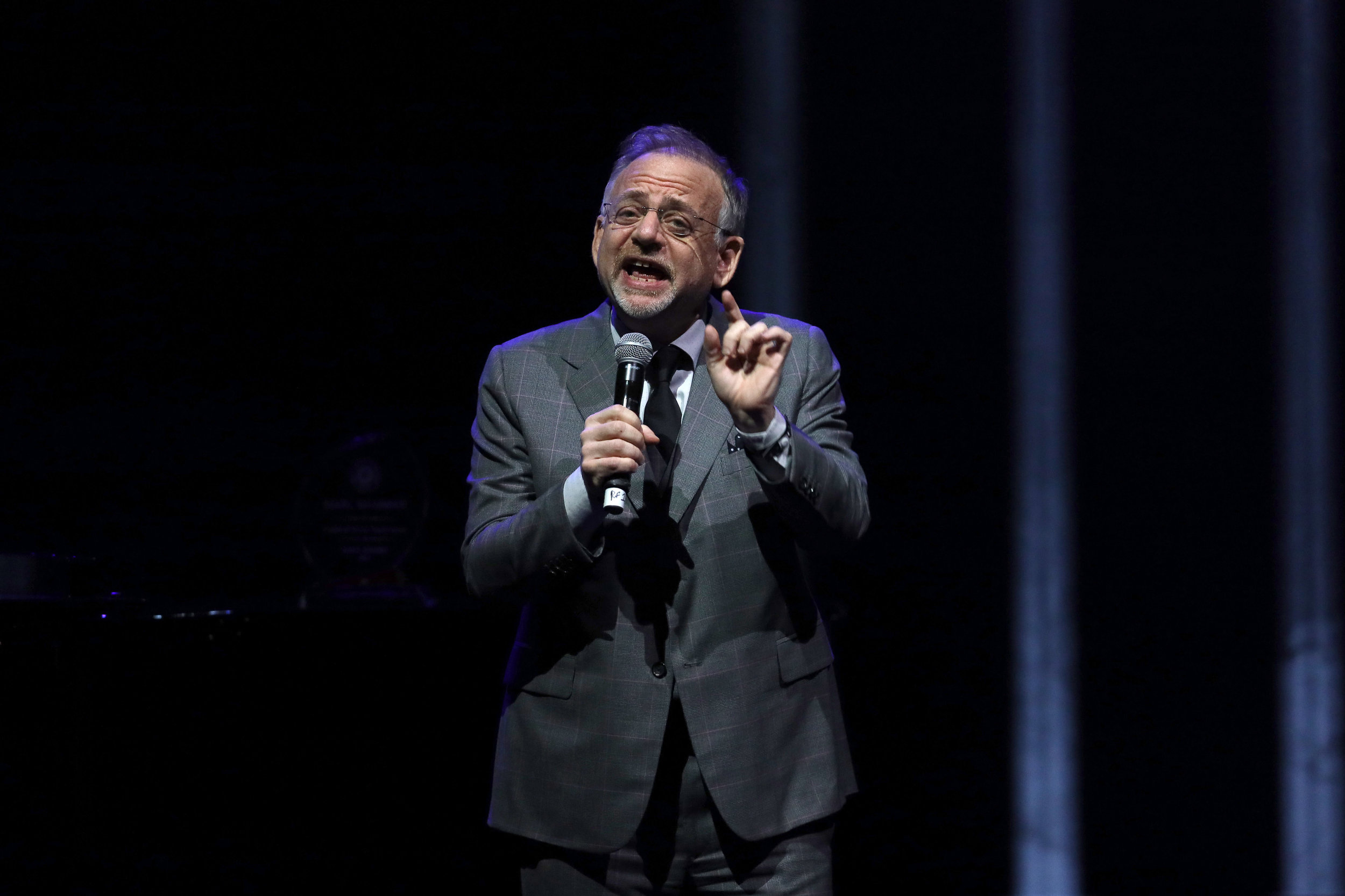 Icon Award winner, Marc Shaiman performing at the 9th Annual Guild of Music Supervisors Awards | © Rich Polk | Getty Images