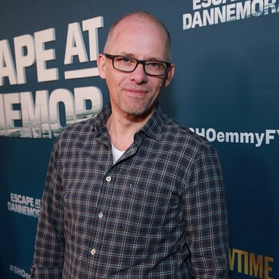 Today's guest on #ThePopDisciplePodcast is #Emmy winning composer, Edward Shearmur. 🔥⁣ ⁣ We discuss his deep dive into the darker side of things for @showtime #EscapeatDannemora based on the 2015 Clinton Correctional Facility escape, his personal highlights of collaborating with director, @benstiller, using multiphonics and drawing subconscious inspiration from free jazz, his methods to manufacture a musical pulse throughout the entire limited series, highlighting the shades of surreal comedy, how he worked with @nativeinstruments #Reaktor, and more. 🚨⁣ ⁣ Link in @popdisciple bio to hear the full episode. ✨
