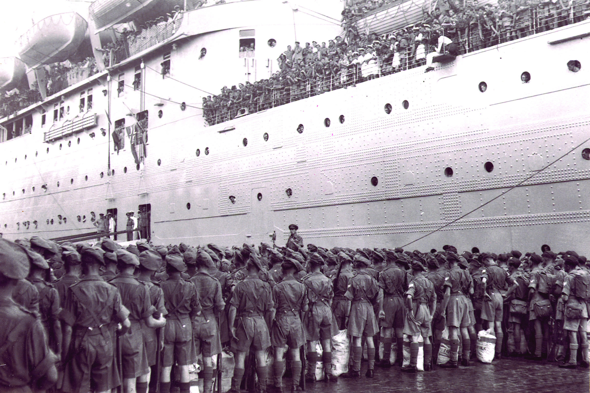 British troops leaving India