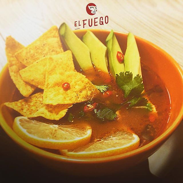 🔥EL FUEGO🔥Sopa di Lima. My home made hot and spicy Yucatán-Style mexican soup. 🇲🇽 #mexican #mexicano #mexicanfood #tasteofmexico #homemade #imade #foodphotography #cooking #cookinghome #myhobby