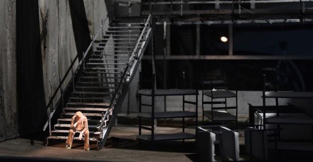 "Katharina Janson, Modellfoto einer Szene aus ""Antigone"""