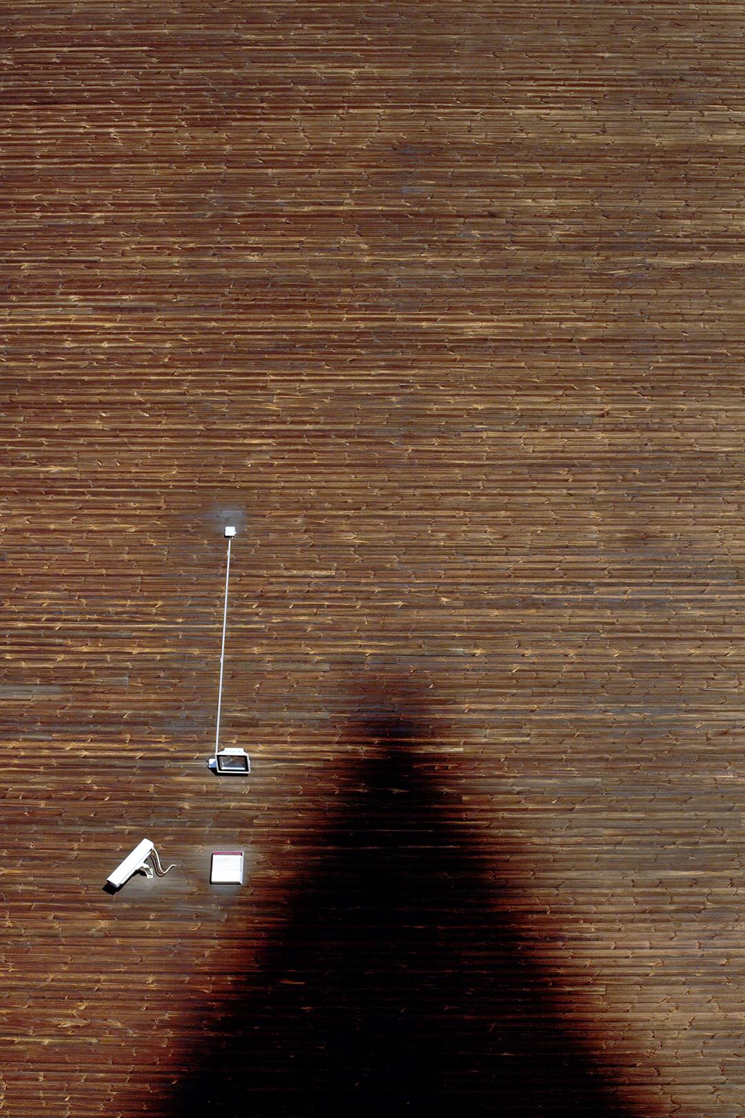 Licht und Schatten beim Überwachen. Am Expo-Plaza