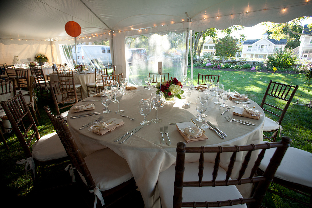 Tables and Chairs_6093588053_l.jpg