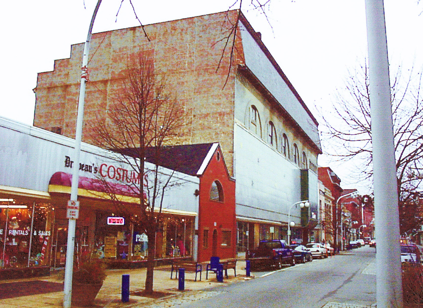 Frye Block circa 1999. Photo courtesy of PDT Architects.