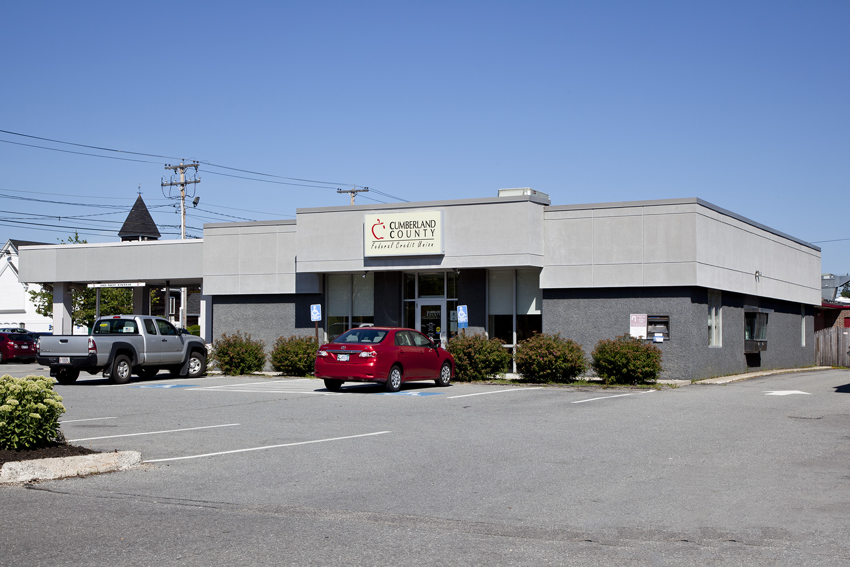 BEFORE:  The gray-on-gray Washington Avenue branch as it was when Cumberland County Federal Credit Union bought it.