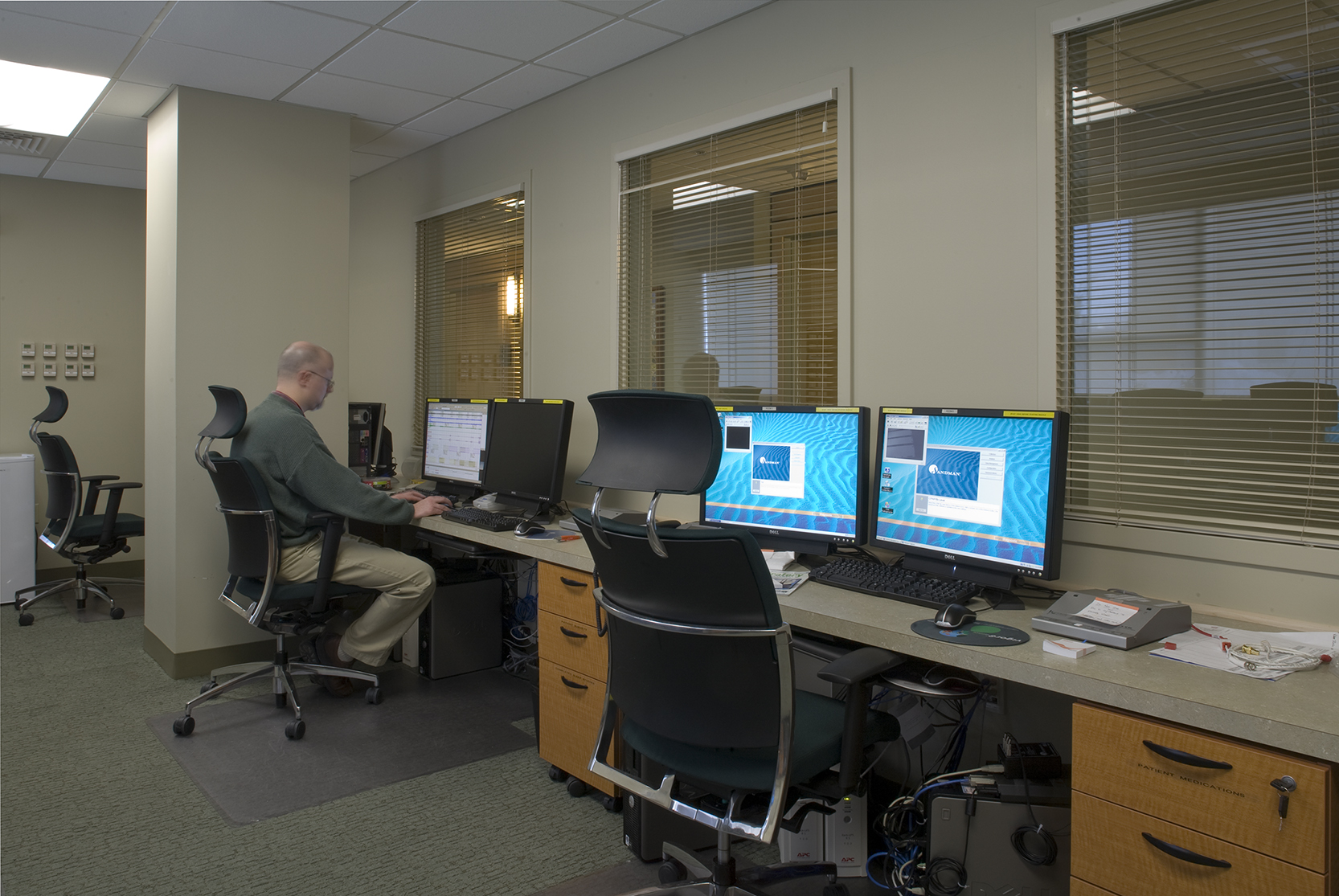 Control room with visual supervision of the central corridor