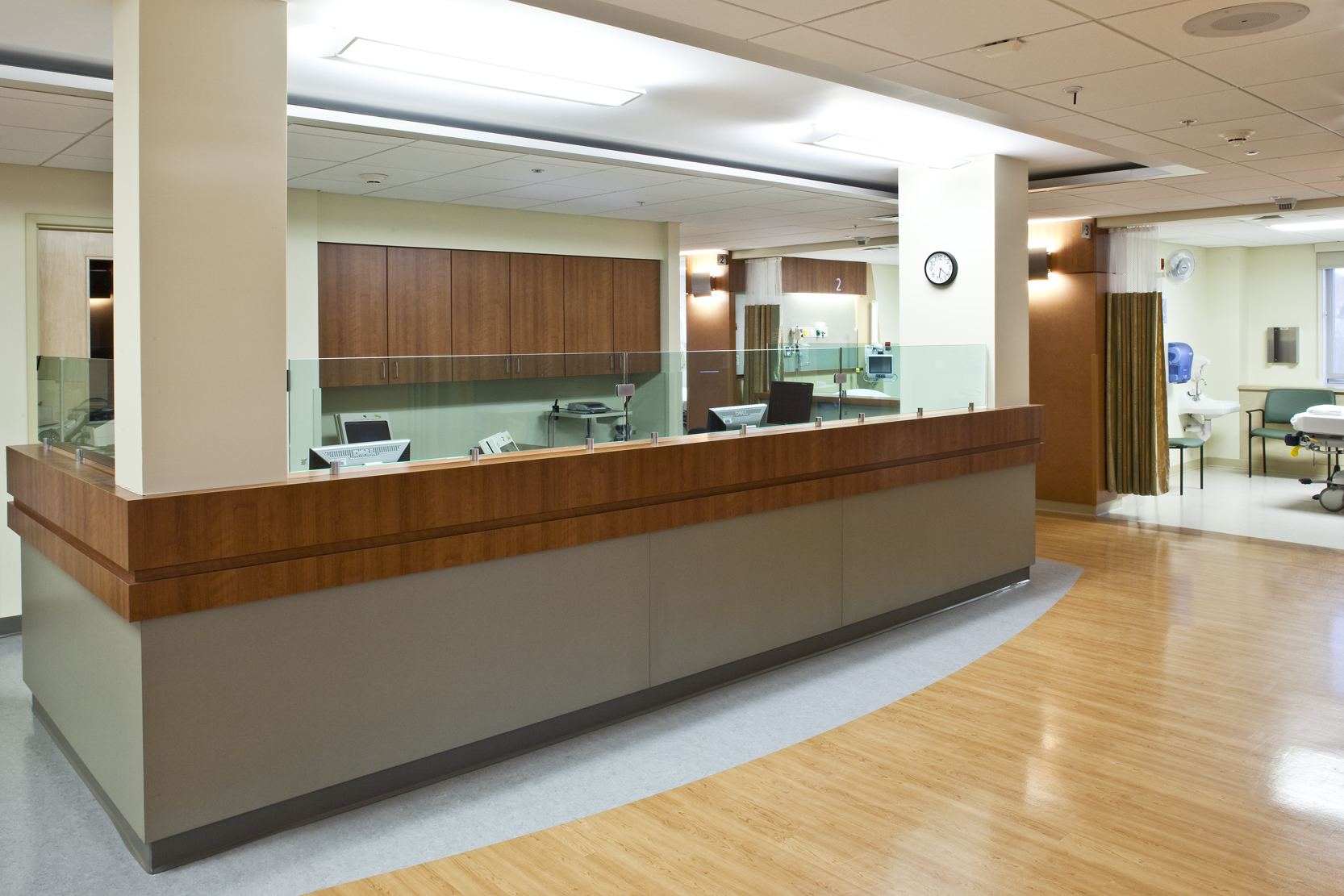 Two primary nursing stations and sub-nursing stations in the central core provide full visual coverage of patients.