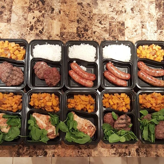 Sundays are for meal prep. Golean is starting soon! See the front desk to sign up this week.  @goperformance  #nashvillefit #gocrossfit