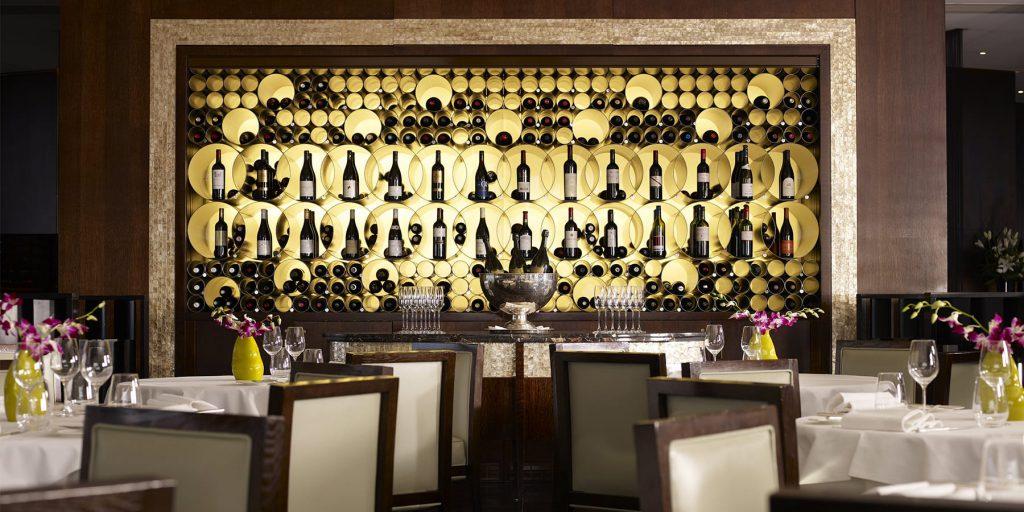 restaurant-interior-1800x900.jpg