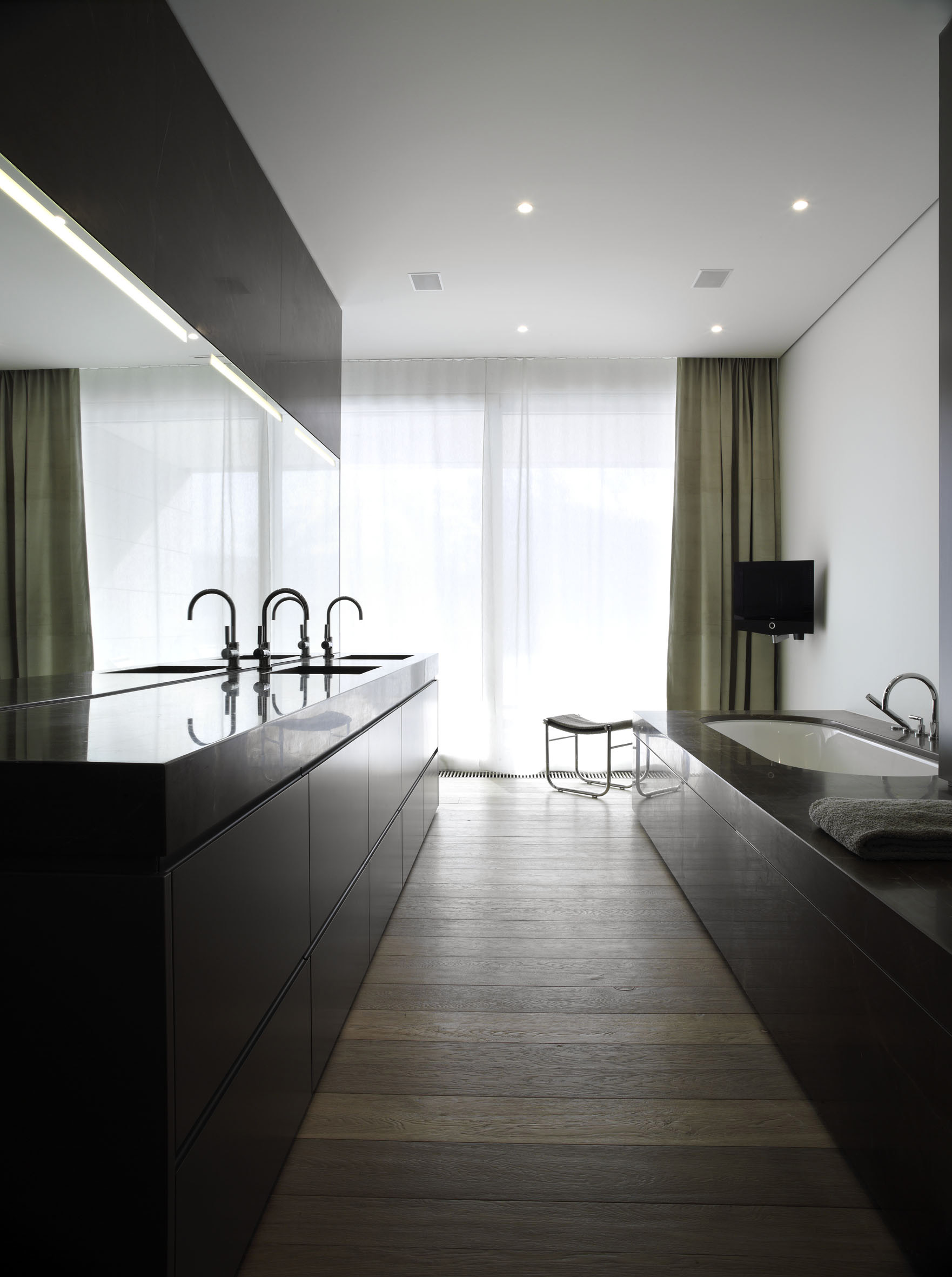 048_iria_degen_interiors_house_evilard2.jpg