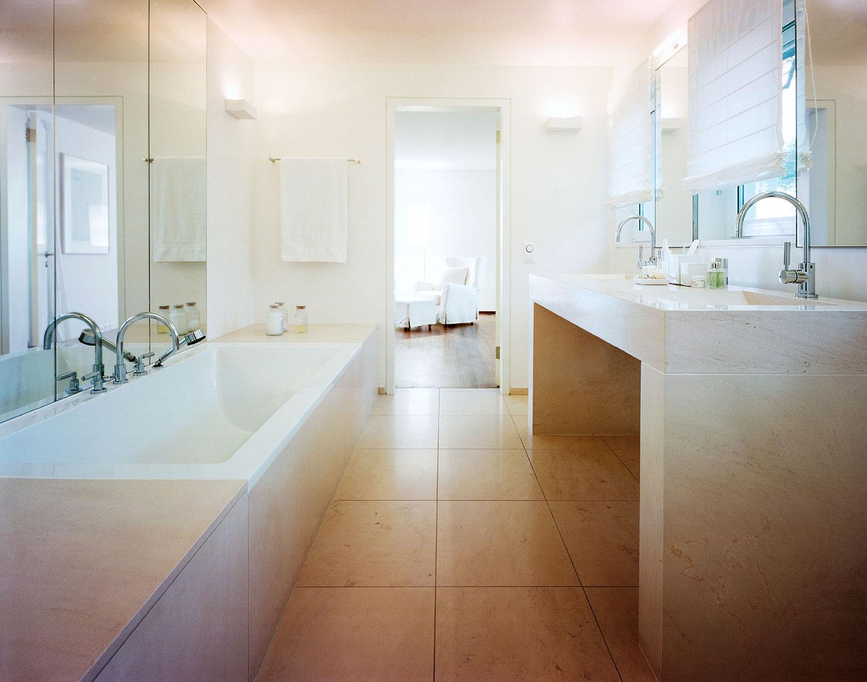 001-iria-degen-interiors-house-zurich3.jpg