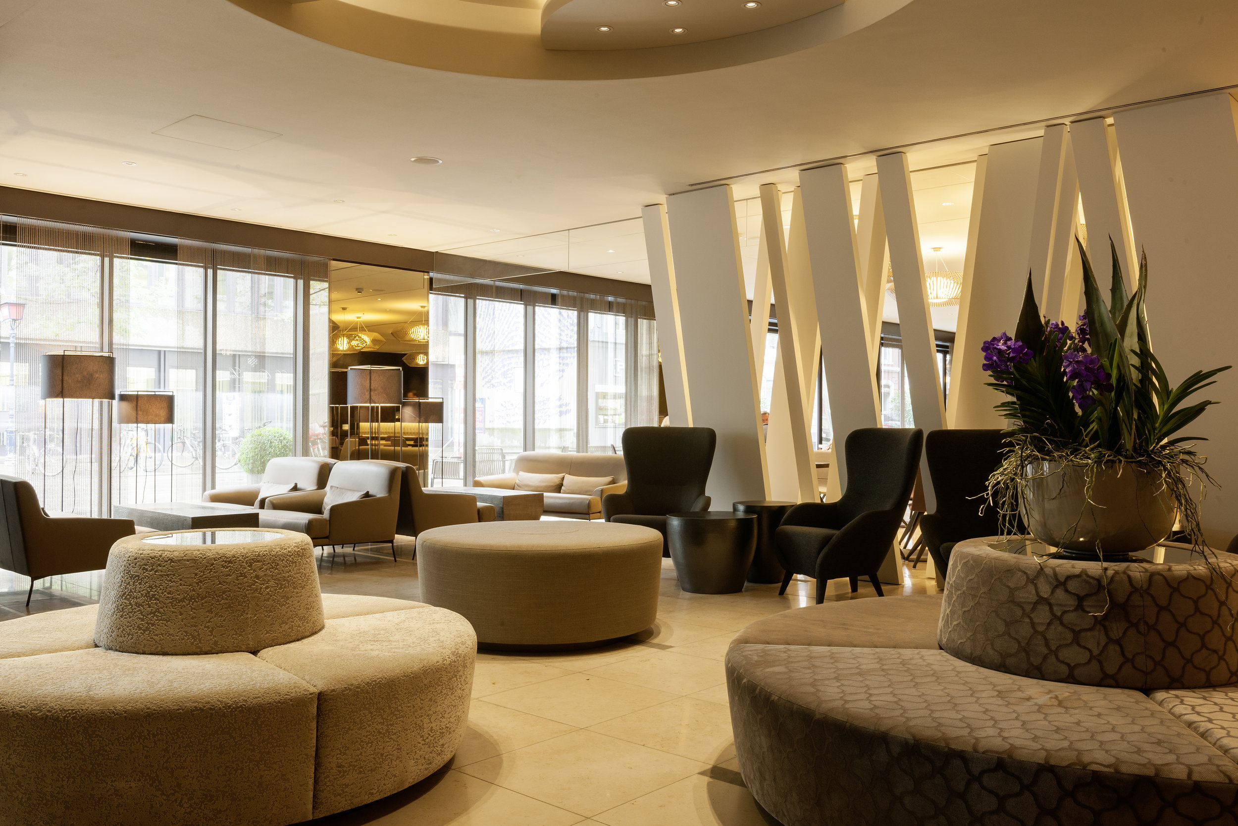 158_iria_degen_interiors_hotel_pullman_basel_europe2.jpg