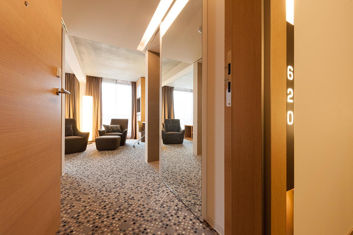 158_iria_degen_interiors_hotel_pullman_basel_europe4.jpg