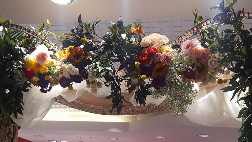 Entrance flowers I designed for Rogers & Hollands Jewelers, Fort Wayne