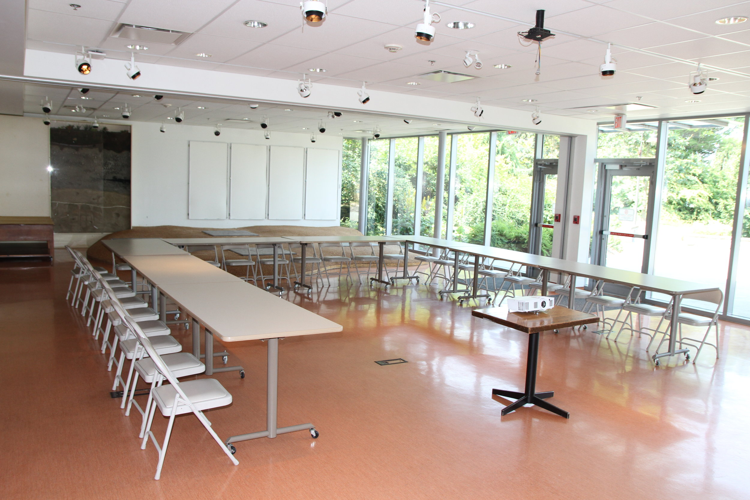 Meeting style1 LHL.JPG