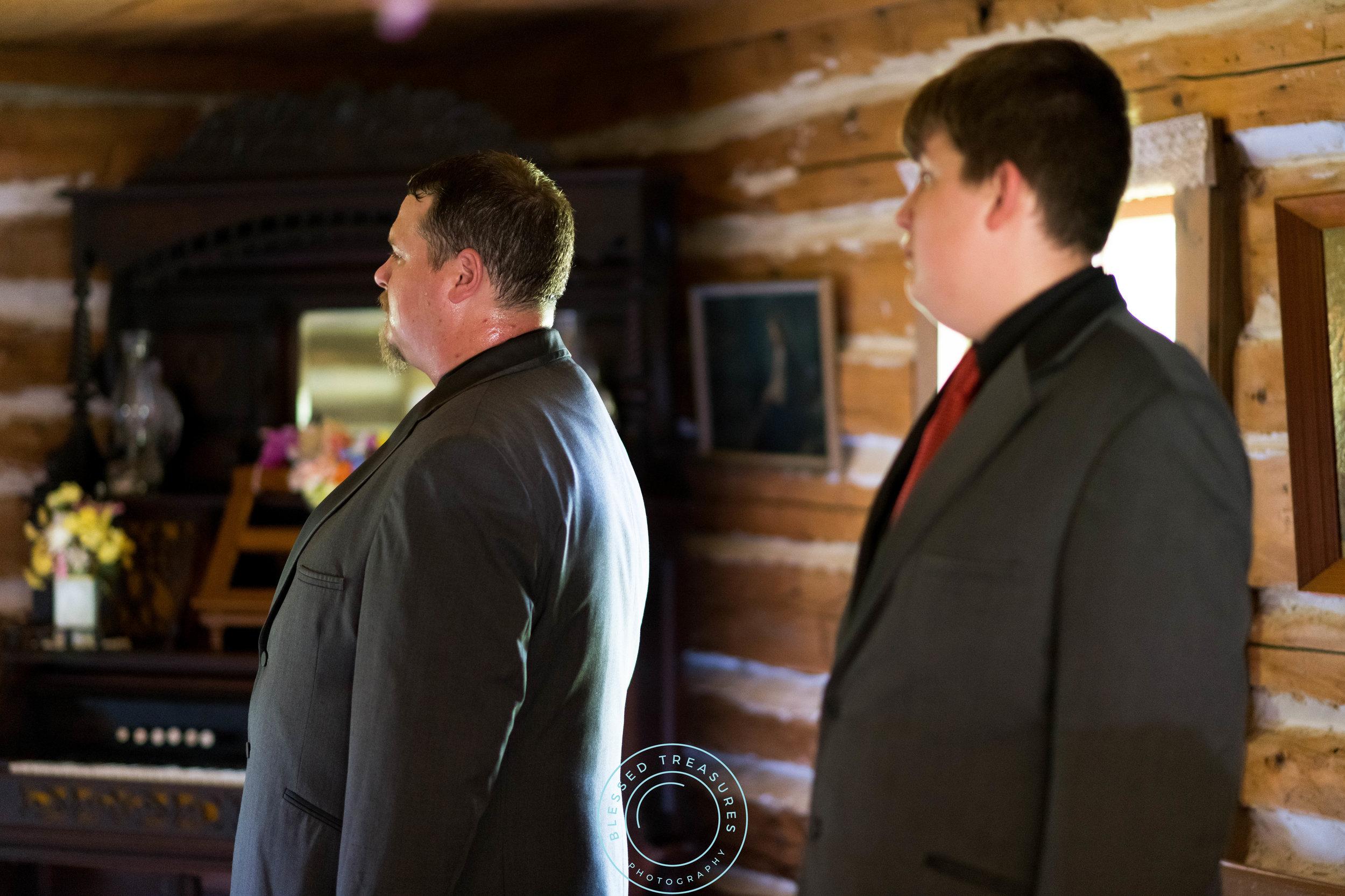 Mansfield township pioneer church crystal falls michigan bride and groom wedding ceremony groomsmen