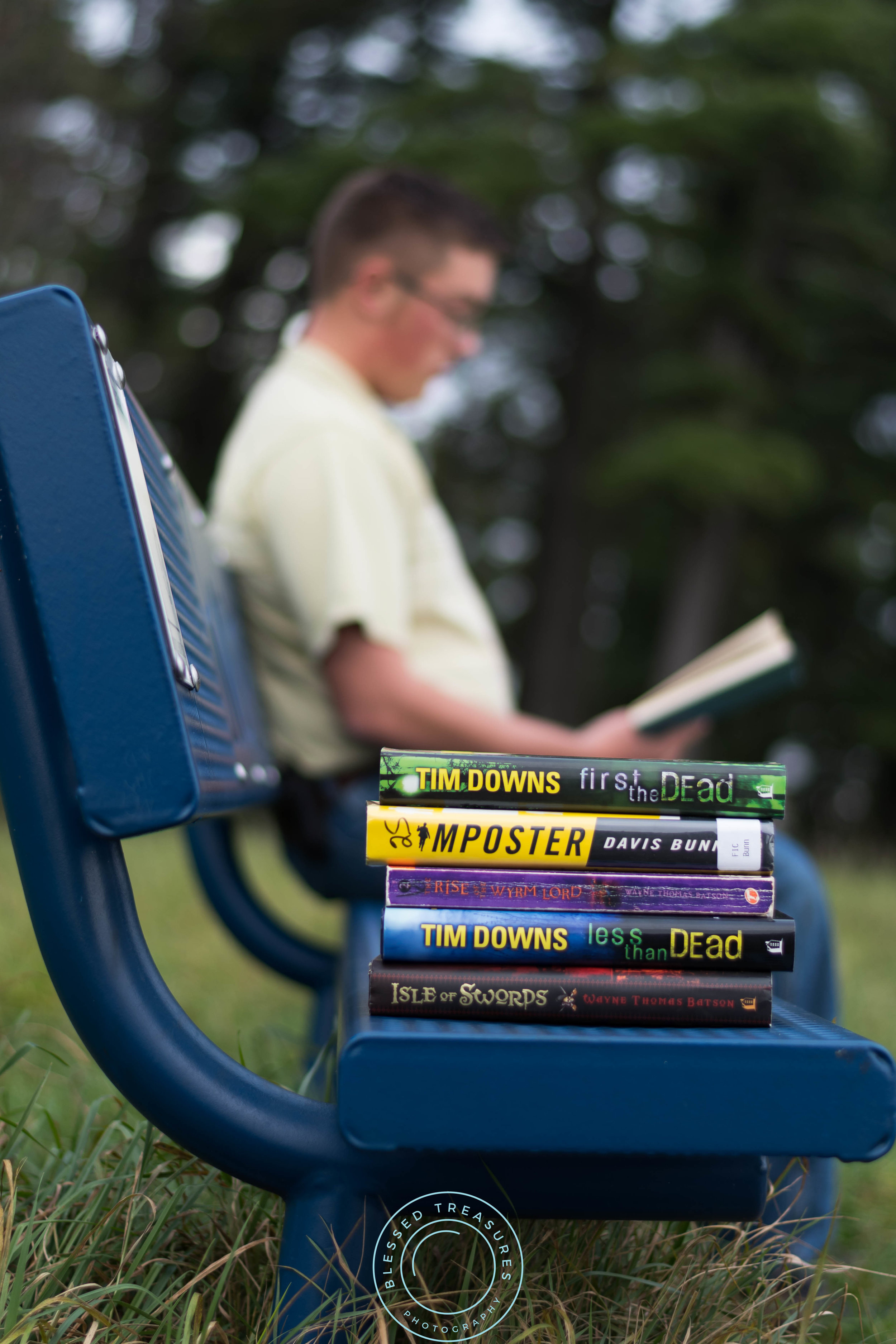 Andrew Navis senior session Iron Mountain Millie Hill bat lookout favorite book reading on bench bookworm