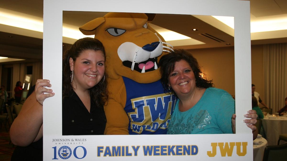Family Weekend Register / Tickets -