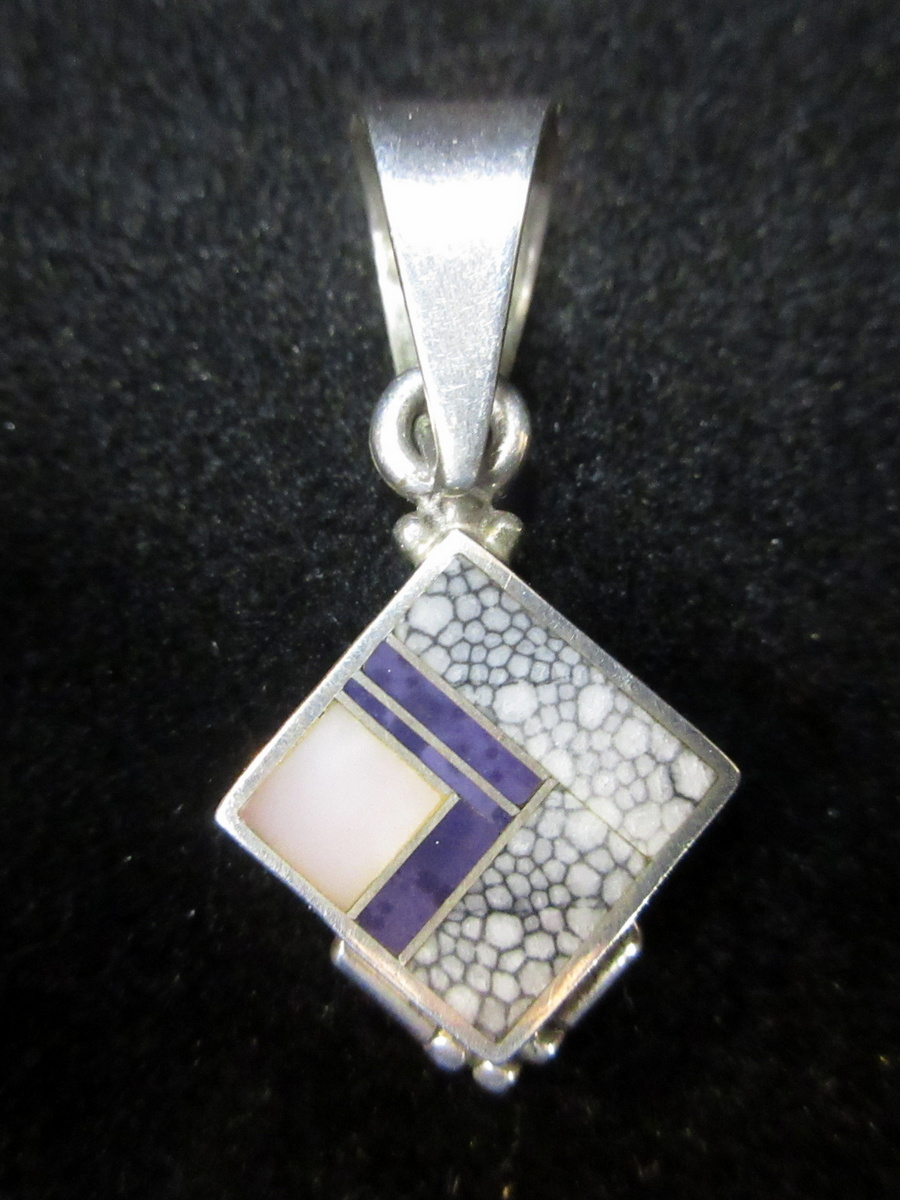 Ray Tracey Pendant