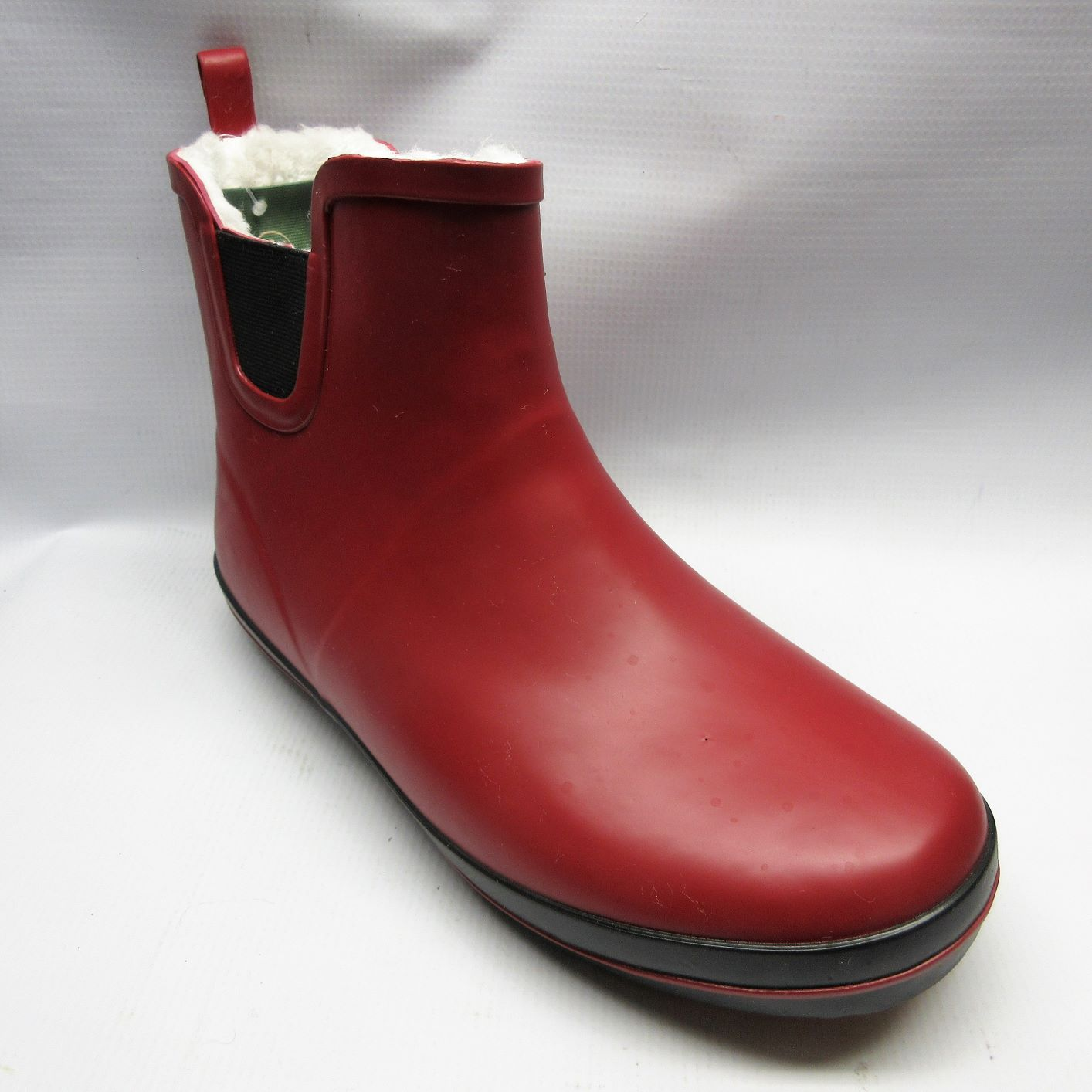 Love the rain. - All it takes is the right footwear.