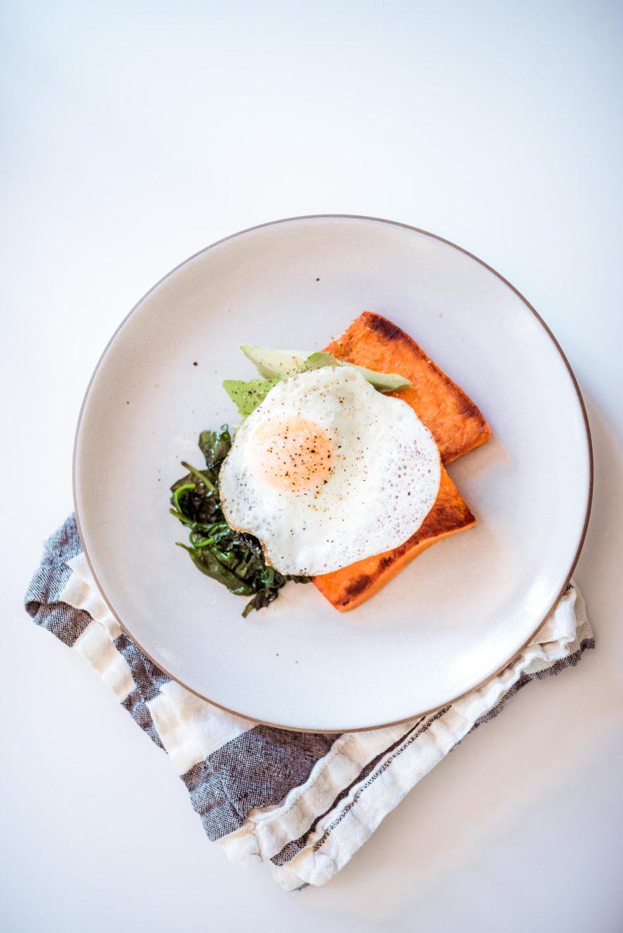 Paleo-Breakfast-Sandwich-Recipe-900x1348.jpg