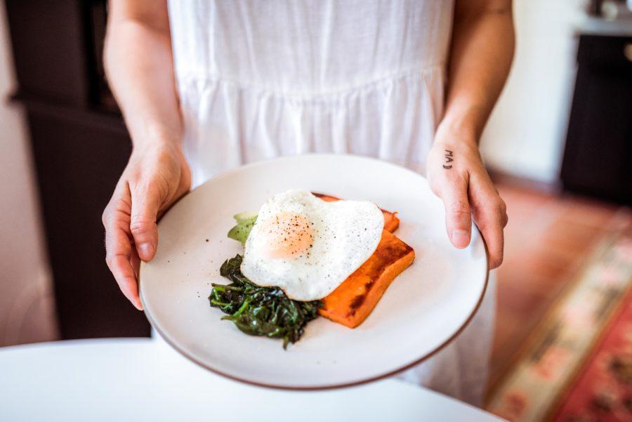 Paleo-Breakfast-Sandwich-Recipe-900x601.jpg